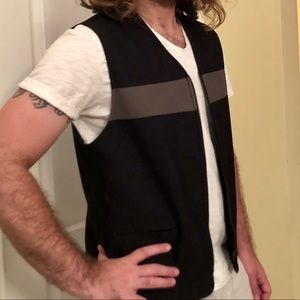 Versatile Black zippered vest